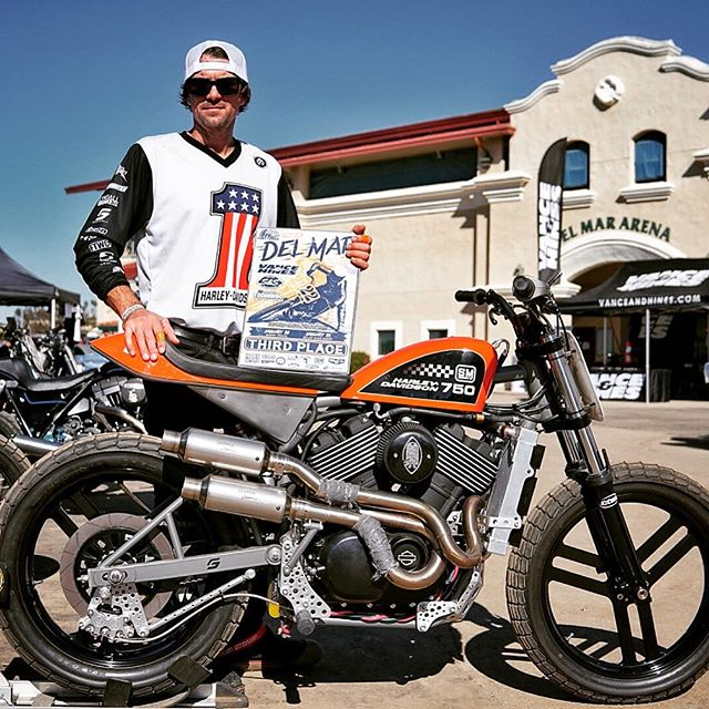 Congrats to our man @fastjs for his 2nd place finish on #theseminal in today's Hooligan class in Del Mar @ivleagueflattrack  This custom @harleydavidson #xg750 was put through the test by the whole team this weekend @wiggzero9 @fuzzyfonz #thespeedmerchant #supporttheindependents #harleyhooligans